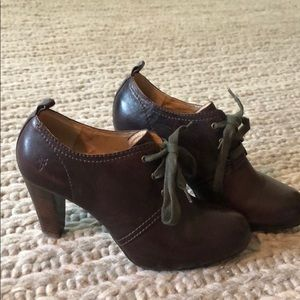 Frye brown leather shoes, only worn once!